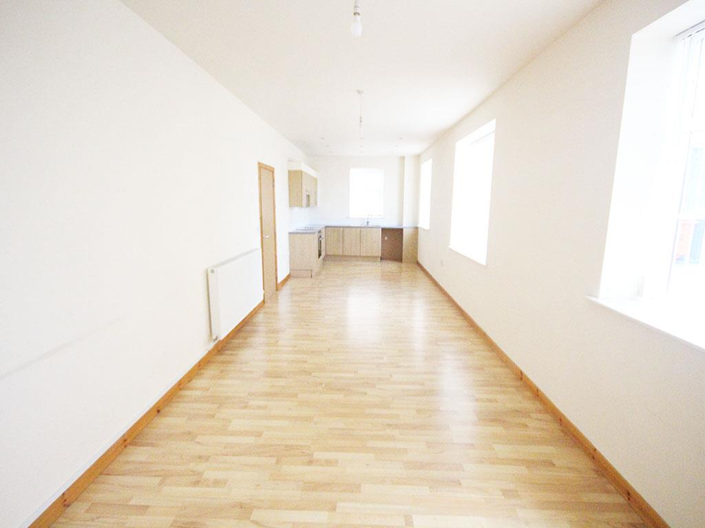 2 bedroom apartment To Let in Colne - IMG_3435.jpg